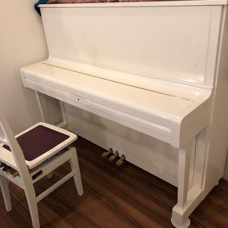 ヤマハ(ヤマハ)のYAMAHA アップライトピアノ 白(ピアノ)