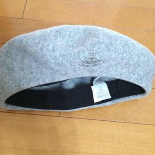 ヴィヴィアンウエストウッド(Vivienne Westwood)のvivienneグレーベレー帽♫(ハンチング/ベレー帽)