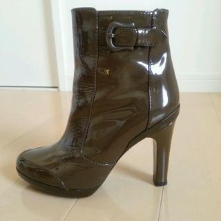 フェンディ(FENDI)のFENDI ブーツ ダークブラウン 37.5 24cm エナメル ショートブーツ(ブーティ)