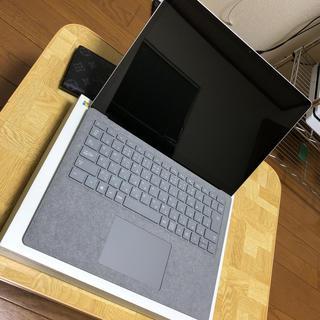 マイクロソフト(Microsoft)のSurface laptop2(ノートPC)