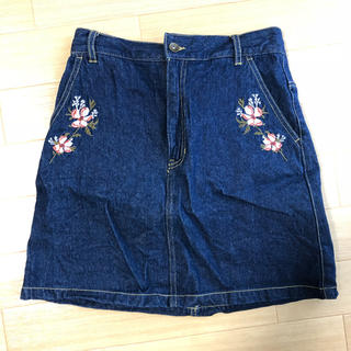 しまむら - しまむら✳︎刺繍入りデニムスカート