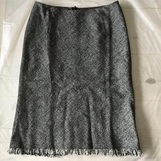 ノーベスパジオ(NOVESPAZIO)の新品 ノーベスパジオスカート 黒 グレー 38 上品(ひざ丈スカート)