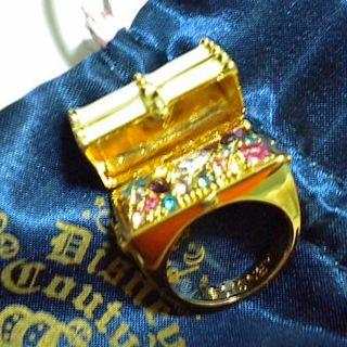 ディズニー(Disney)の★レア・美品★ディズニークチュール 白エナメルオープン式宝石箱リング11号(リング(指輪))