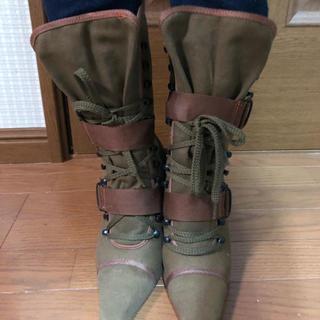 アディダス(adidas)の布製ブーツ(ブーツ)