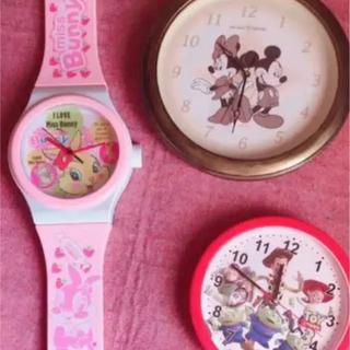 ディズニー(Disney)のミスバニーとミッキー&ミニーの時計二個セット!!(掛時計/柱時計)