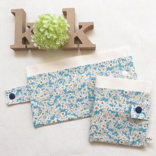 再販  携帯   ティッシュケース マスクポケット付き 青い花(雑貨)