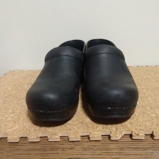 ダンスコ(dansko)の明日までお値下げ☆彡 ダンスコ プロフェッショナルオイルド 37  ブラック (ローファー/革靴)