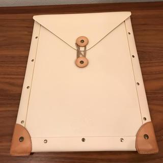 グローブトロッター(GLOBE-TROTTER)のほぼ未使用 送料無料 書類ケース A4 グローブトロッター(トラベルバッグ/スーツケース)