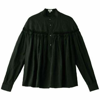 サイ(Scye)のscye リネン タック ブラウス 長袖 38 黒(シャツ/ブラウス(長袖/七分))