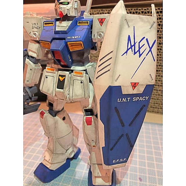 BANDAI(バンダイ)のMG 1/100 RX-78NT-1 ガンダムNT-1 (ポケットの中の戦争) エンタメ/ホビーのおもちゃ/ぬいぐるみ(プラモデル)の商品写真