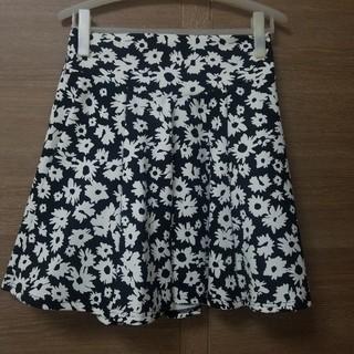 しまむら - 花柄モノトーンスカート
