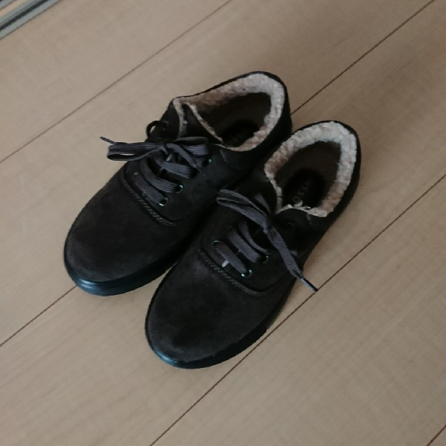 しまむら(シマムラ)の新品未使用 スェード風カーキボアシューズ Lサイズ レディースの靴/シューズ(スニーカー)の商品写真