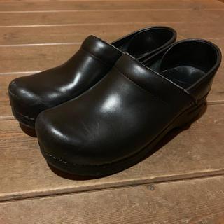 ダンスコ(dansko)のダンスコ  黒(ローファー/革靴)