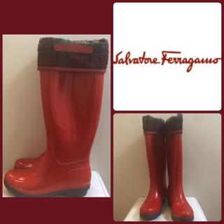サルヴァトーレフェラガモ(Salvatore Ferragamo)のフェラガモ♡レッドラバー レインブーツ♡(レインブーツ/長靴)