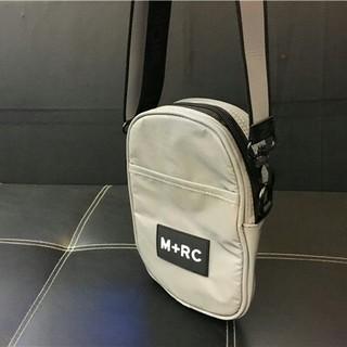 ノワール(NOIR)の美品 M+RC  シルバー  ショルダーポーチ(ショルダーバッグ)