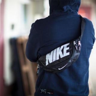 ナイキ(NIKE)の◆海外限定◆【 NIKE ナイキ 】ウエストポーチ ボディーバッグ ★送料無料!(ショルダーバッグ)