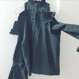 ナディア(NADIA)の黒の肩あきトップス(カットソー(長袖/七分))