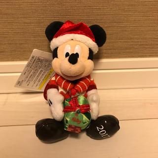 デイジー(Daisy)の【新品!】クリスマスミッキー ぬいぐるみバッジ(キャラクターグッズ)
