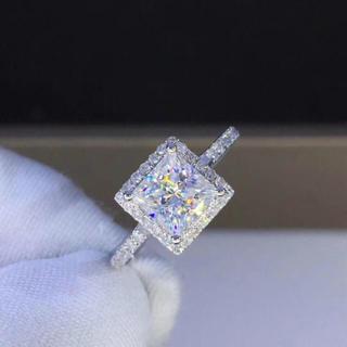 【1カラット】輝くモアサナイト + 南ア天然ダイヤモンド(リング(指輪))
