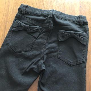 120 女の子 黒いズボン