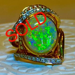 金の価格が、高沸しています‼️ K18  WG、YG オパール と ダイヤリング(リング(指輪))