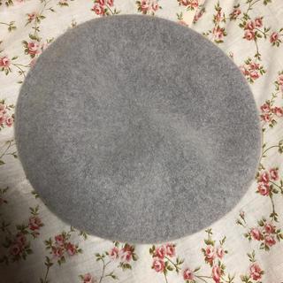ジーユー(GU)のベレー帽 GU グレー 新品 お安くお譲り致します(ハンチング/ベレー帽)