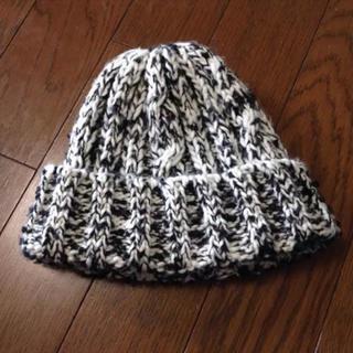 ザラ(ZARA)のZARA ニット帽 黒白(ニット帽/ビーニー)