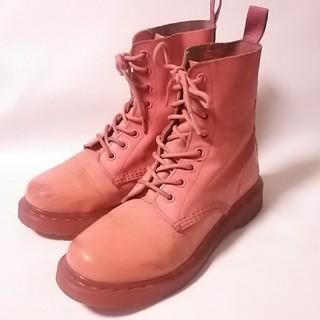 ドクターマーチン(Dr.Martens)の 希少限定ピンク!ドクターマーチン高級8ホールブーツ人気王道モデル!   (ブーツ)