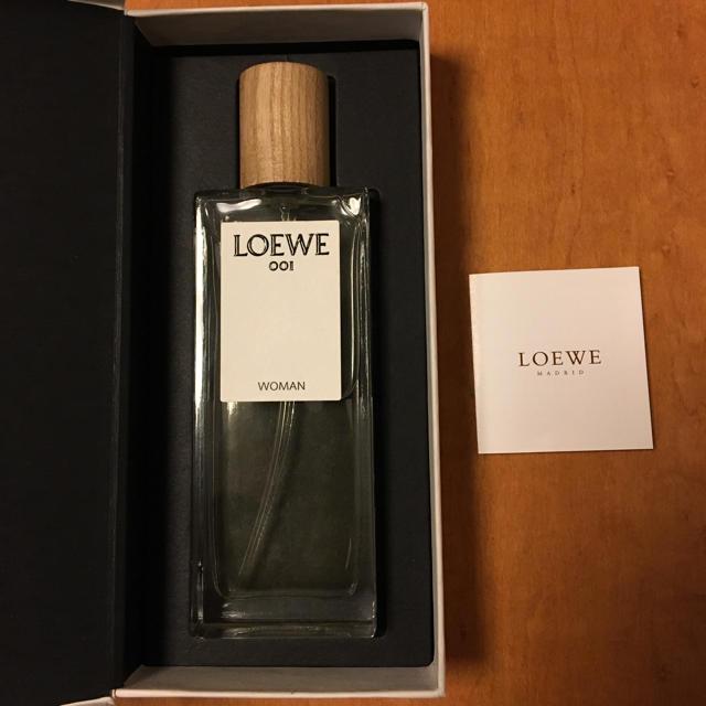 LOEWE(ロエベ)のloewe 001 香水 woman ロエベ コスメ/美容の香水(香水(女性用))の商品写真