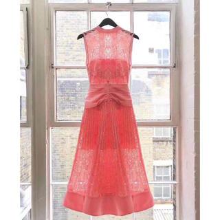 セルフポートレイト(SELF PORTRAIT)の2019新作SelfPortraitセルフポートレート高級刺繍ドレス(ロングワンピース/マキシワンピース)
