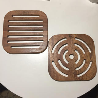 アクタス(ACTUS)のD&S 鍋敷き トリベット アカシア 木製 2枚セット(キッチン小物)