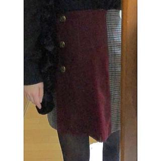 アーベーセーアンフェイス(abc une face)のabc une face ボタン付き巻きスカート(ミニスカート)