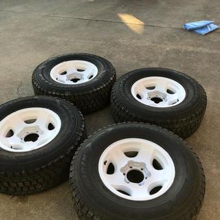 グッドイヤー(Goodyear)のスタッドレスタイヤホイール4本セット(タイヤ・ホイールセット)