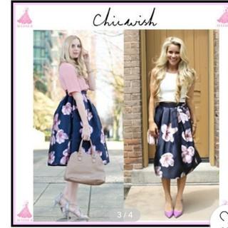 シックウィッシュ(Chicwish)のインポート新品未使用chicwishフラワーミディスカート(ひざ丈スカート)