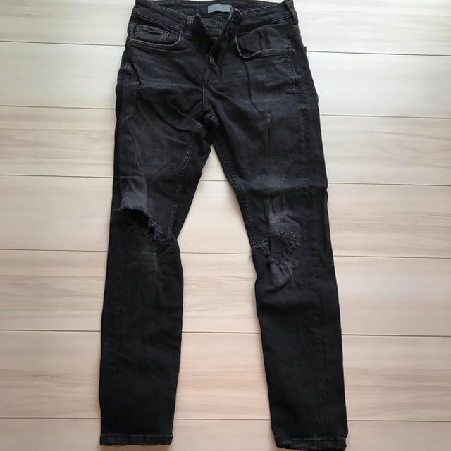 ZARA(ザラ)のザラ ダメージパンツ メンズのパンツ(デニム/ジーンズ)の商品写真