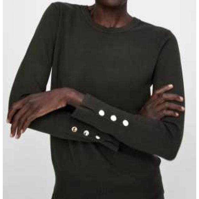 ZARA(ザラ)のZARA ボタン付きベーシックセーター レディースのトップス(ニット/セーター)の商品写真
