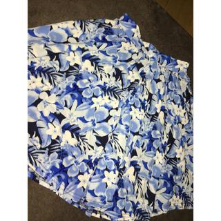 セシルマクビー(CECIL McBEE)の花柄スカート(ひざ丈スカート)