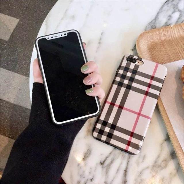 光沢チェック が可愛い♪ iPhone7plus iPhone8plus ケース スマホ/家電/カメラのスマホアクセサリー(iPhoneケース)の商品写真