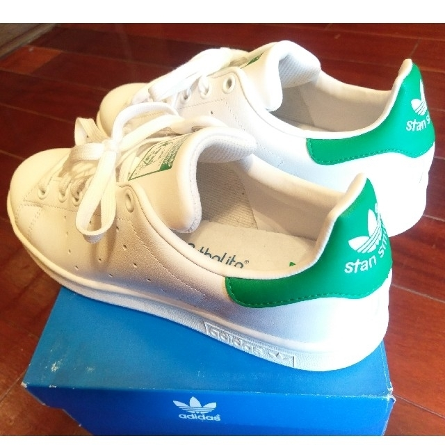 adidas(アディダス)の新品♡スタンスミス 24.5cm レディースの靴/シューズ(スニーカー)の商品写真