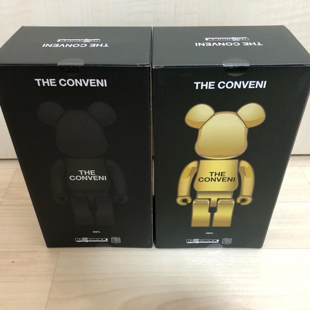MEDICOM TOY(メディコムトイ)のBE@RBRICK FRAGMENT THE CONVENI ベアブリック 金黒 エンタメ/ホビーのおもちゃ/ぬいぐるみ(キャラクターグッズ)の商品写真