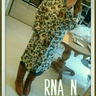 アールエヌエー(RNA)のRNA♡花柄スプリングコート(ロングコート)