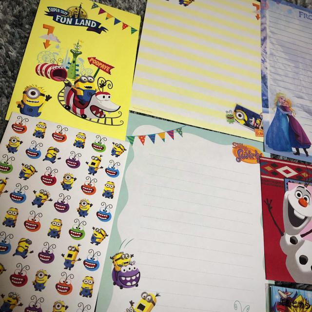 Disney(ディズニー)のミニオン&アナ雪 レターセット エンタメ/ホビーのおもちゃ/ぬいぐるみ(キャラクターグッズ)の商品写真