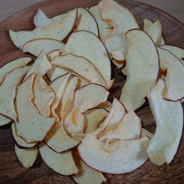 山盛り、りんごチップス 100グラム!! 食品/飲料/酒の食品(フルーツ)の商品写真