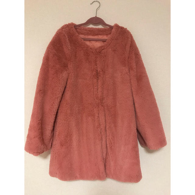 ピンク ファーコート レディースのジャケット/アウター(毛皮/ファーコート)の商品写真