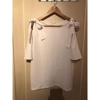 ジーユー(GU)の肩リボンのトップス(カットソー(半袖/袖なし))