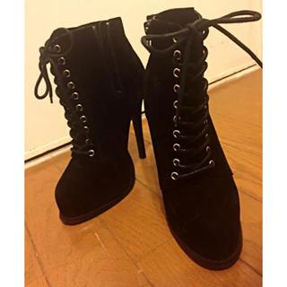 ウルラ(Ulula)の渋谷発Ulula ショートブーツ ブラック黒 大人っぽい ハイヒール ブーティー(ブーツ)