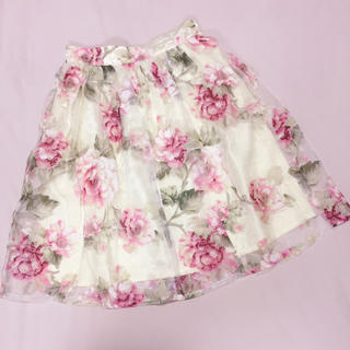 アーベーセーアンフェイス(abc une face)の花柄オーガンジースカート(ひざ丈スカート)