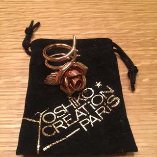 ヨシコクリエーションパリズ(YOSHiKO☆CREATiON PARiS)の薔薇のリング(リング(指輪))