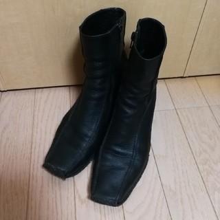 サヤ(SAYA)のsaya サヤ ショートブーツ黒 24cm(ブーツ)
