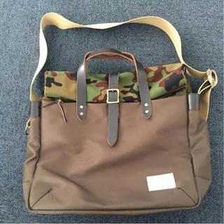 ナナミカ(nanamica)のNanamica(ナナミカ)briefcase カーキ✖︎カモ柄 かばん(ショルダーバッグ)